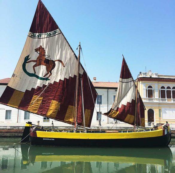 vista porto canale di Cervia, antico veliero per il trasporto del sale
