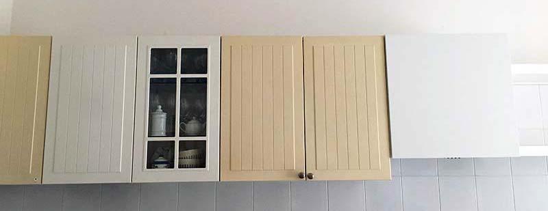 Esempio della differenza di colore tra le ante Ikea fallate e quelle sostituite