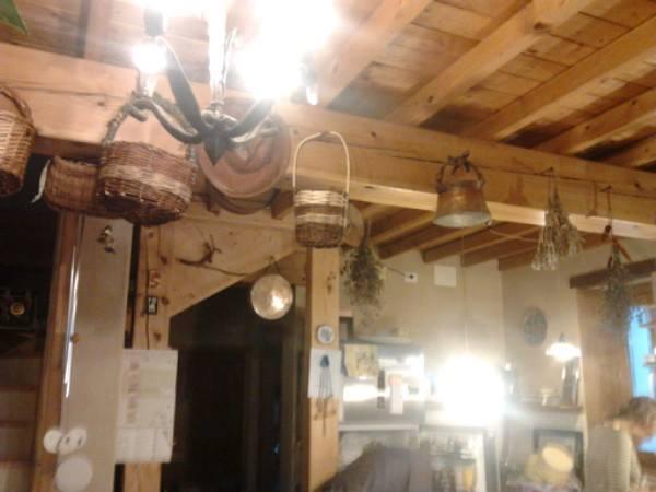 interno casa del borgo di castel merlino, monzuno